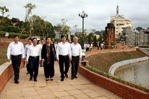 Phó Chủ tịch Thường trực Quốc hội Tòng Thị Phóng làm việc tại Sơn La