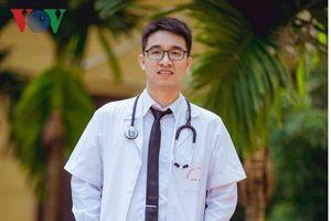 Thủ khoa ĐH Y Hà Nội: 'Muốn giỏi hãy nghĩ cách để làm thầy'