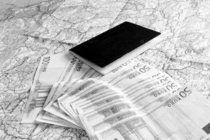 EC đánh giá lại chính sách 'bán hộ chiếu'