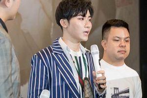 Đỗ Phú Quí bật khóc vì trở thành con nợ sau MV đầu tay