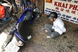 Cảnh sát nổ 5 phát súng truy bắt tên cướp có bình xịt hơi cay ở Sài Gòn