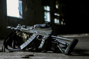 Nga tố Mỹ 'trộm cắp' khi có ý định sản xuất súng máy nhái