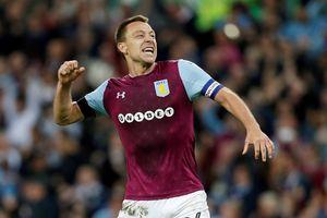 Vừa treo giày, Terry trở lại làm trợ lý HLV tại Aston Villa