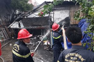 Kẹt trong căn nhà cháy, một cụ bà thiệt mạng