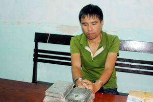 Triệt phá chuyên án vận chuyển, mua bán 7 bánh heroin, bắt giữ 4 đối tượng