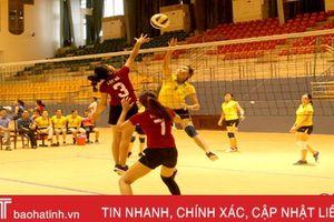 Khai mạc Giải Bóng chuyền nữ Đại hội TDTT toàn tỉnh lần thứ VIII