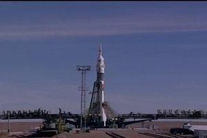 Khoảnh khắc tàu vũ trụ Nga gặp sự cố, phi hành gia thoát chết