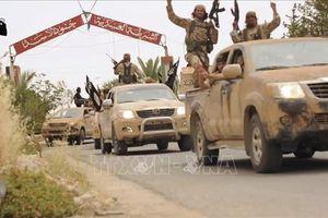Quân đội Syria điều vũ khí hạng nặng truy quét tàn quân IS