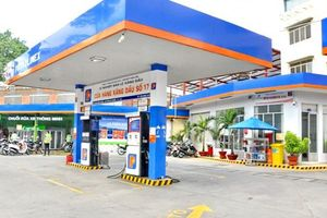 Kinh doanh xăng dầu ngắc ngoải bởi một mớ 'giấy phép con'