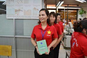 Hoàn thành trả sổ BHXH cho người lao động
