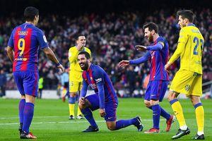 Đi cướp vợ người, sao Barca đấm vỡ mũi tình địch