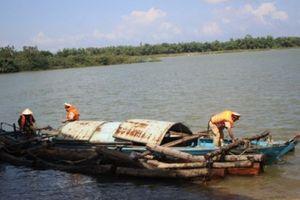 Bắt vụ vận chuyển gỗ lậu trên sông Thu Bồn