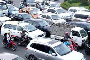 Nghệ An: Lượng đăng ký ô tô gần gấp đôi xe máy