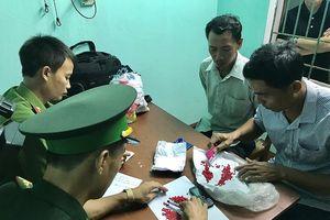 Bắt người đàn ông giấu hàng trăm viên ma túy mua từ Lào