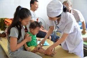 Bệnh tay chân miệng diễn biến phức tạp tại tỉnh Quảng Ngãi, Long An