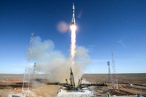 Tàu vũ trụ Nga Soyuz gặp sự cố, phi hành gia thoát chết trong gang tấc