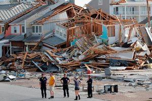 Thành phố biển của Mỹ tan hoang sau khi bão Michael đổ bộ