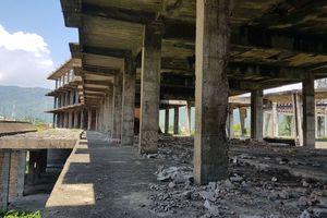 Khu nhà bỏ hoang 30 năm ám ảnh người dân