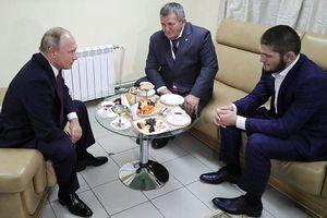 Tổng thống Nga Putin khen ngợi Khabib sau khi cho McGregor no đòn