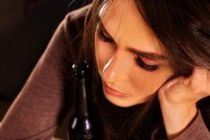 Mỗi ngày uống 2 ly rượu làm tăng nguy cơ mắc bệnh gan