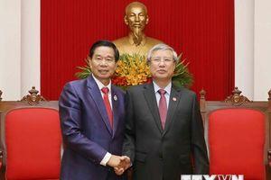 Thường trực Ban Bí thư tiếp đoàn đại biểu cấp cao thủ đô Vientiane