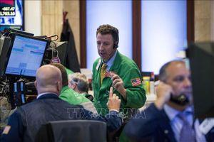 Giá dầu thế giới giảm sâu do đà lao dốc của thị trường cổ phiếu