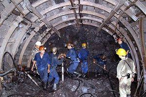 Sập hầm lò khai thác than, 3 công nhân thương vong