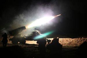 Đánh úp quân đội Syria, IS lĩnh kết đắng, phải bơi qua sống thoát thân