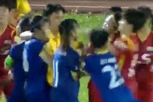 'Hỗn chiến' giữa các nữ cầu thủ
