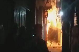 Hà Nội: Con rể `ngáo đá` tẩm xăng đốt nhà bố vợ