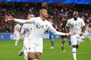 Mbappe tỏa sáng, Pháp thoát thua trên sân nhà