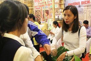Người Hà Nội hào hứng khám phá món ăn tại Lễ hội văn hóa ẩm thực