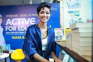 Hoa hậu H'hen Niê kêu gọi mua sách ủng hộ thiện nguyện 'Cùng hành động vì giáo dục'