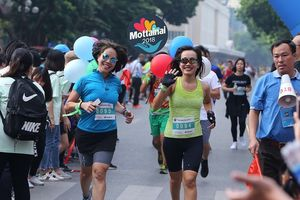 Hơn 1.100 VĐV tham gia Mottainai Run 2018 quanh hồ Hoàn Kiếm