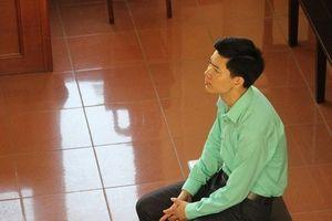 BS Hoàng Công Lương bị cấm đi khỏi nơi cư trú