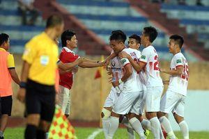HLV Văn Sỹ cao tay, Nam Định ở lại V.League sau loạt penalty cân não