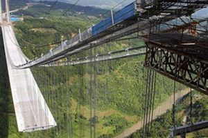 Những cây cầu nguy hiểm nhất thế giới ai đi qua cũng phải tim đập chân run