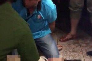Triều cường lên, thiếu niên bị điện giật nguy kịch khi đi dạo bến Ninh Kiều