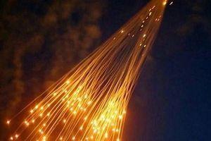 Liên quân do Mỹ đứng đầu bất ngờ tấn công Syria bằng bom cấm
