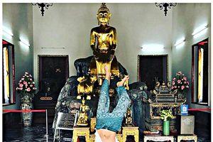 Nam thanh niên bị 'ném đá' vì trồng chuối trước tượng Phật