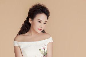 'Nàng dâu quốc dân' Bảo Thanh diện váy đuôi cá khoe đường cong hấp dẫn