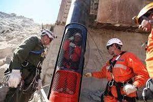 Ngày này năm xưa: Kịch tính giải cứu thợ mỏ mắc kẹt hơn hai tháng