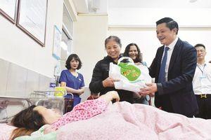 Công dân ưu tú Thủ đô năm 2018: Vị giám đốc bệnh viện đi vội, nói nhanh, làm nhiều
