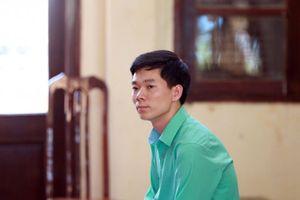 Bác sĩ Hoàng Công Lương tiếp tục bị cấm đi khỏi nơi cư trú