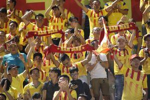 Đánh bại Hà Nội B sau loạt sút luân lưu, Nam Định giành quyền trụ hạng V.League