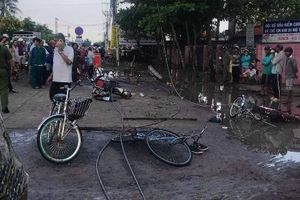 Long An: Dây điện rơi trước cổng trường, 6 học sinh thương vong