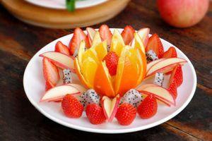 Clip: Muốn gọt hoa quả vừa đẹp lại nhanh thì học ngay cách này