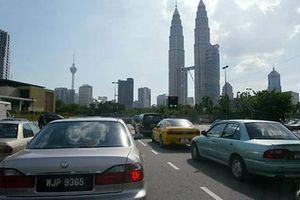Malaysia cân nhắc cấm tài xế gây TNGT chết người lái xe