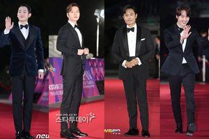 Apan Star Awards 2018: Gục ngã trước nhan sắc của Park Hae Jin, Jung Hae In hay Lee Byung Hun và Yang Se Jong?