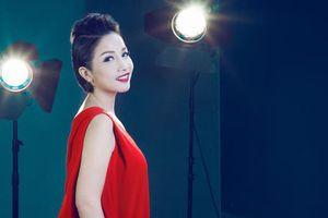 Bị 'ném đá' khi ủng hộ xây nhà hát 1500 tỷ, ca sĩ Mỹ Linh tuyên bố sẽ khởi kiện